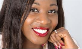 Hình 20: Các răng đã được phục hồi với tỷ lệ chính xác và smile line đã được tối ưu hóa. Bệnh nhân hài lòng với kết quả.